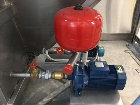pompe renvoi eaux surpresseur